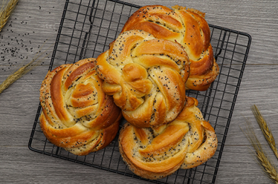 Homemade Poppy Seed Bread Twists That Super Delicious
