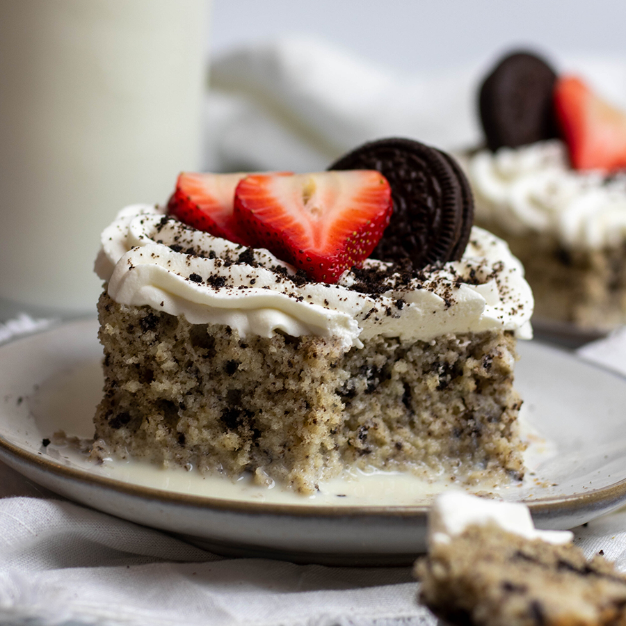 Cookies & Cream Tres Leches Cake Yummy